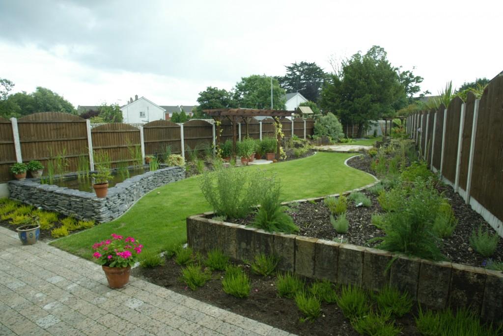 Garden landscaped with a modern design in bray wicklow for Garden designs ie
