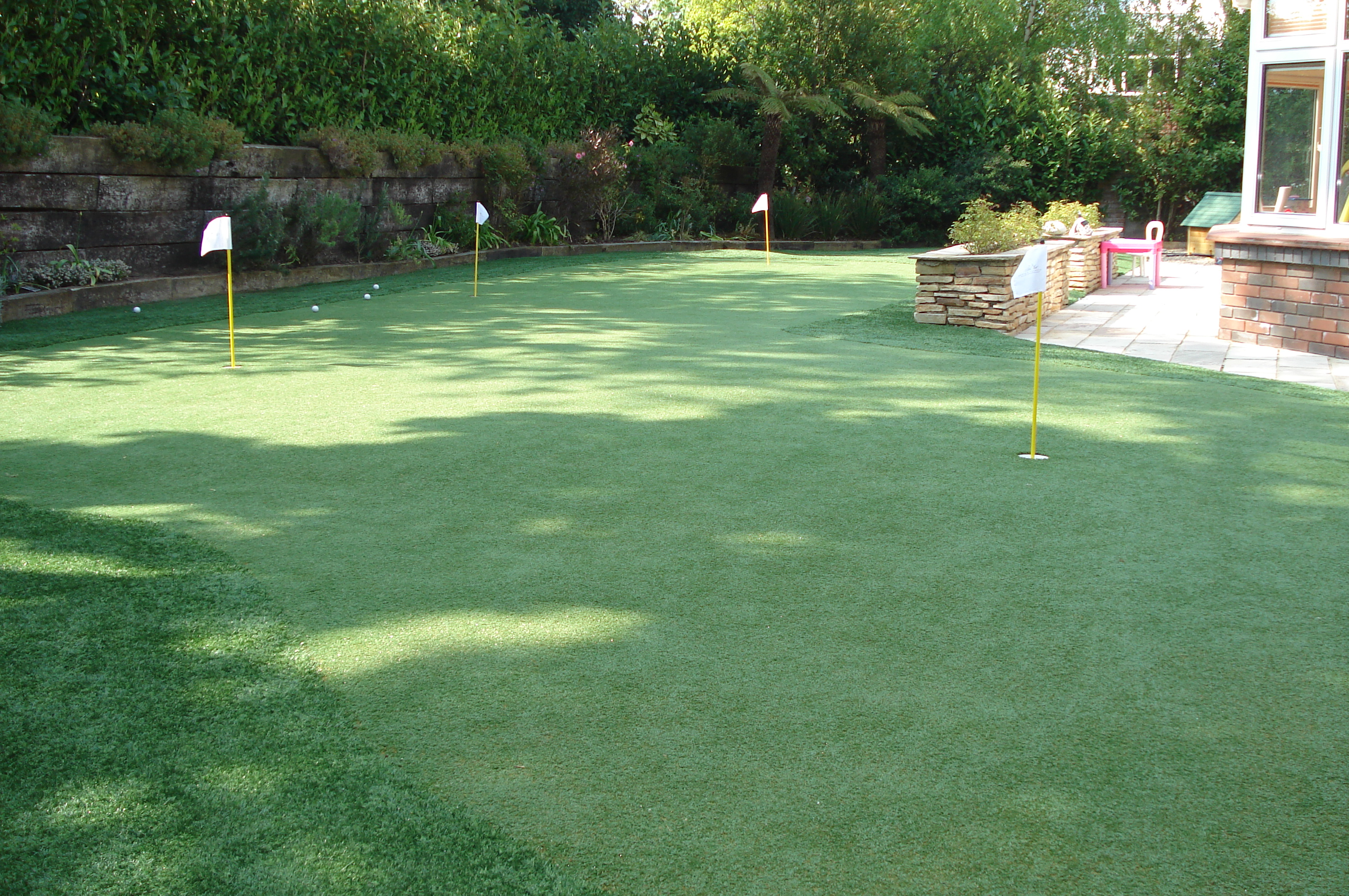 synthetic golf putting greens grass lawns landscaping dublin