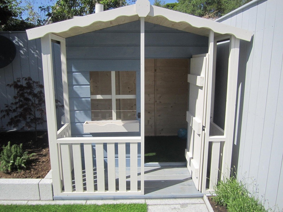 Kids wendy house with verandah