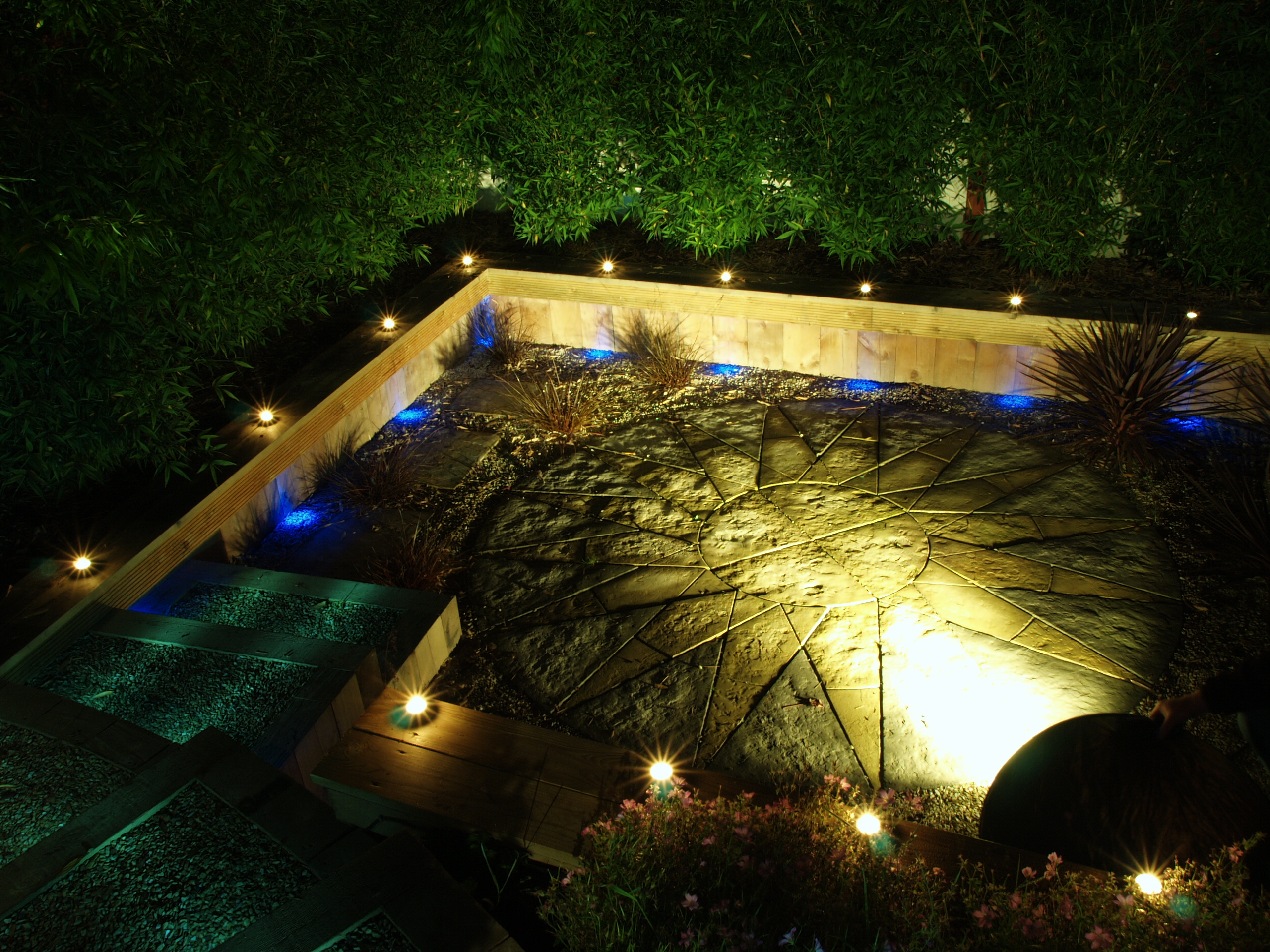 Oudoor garden lighting design shankill dublin ireland for Garden design jobs ireland
