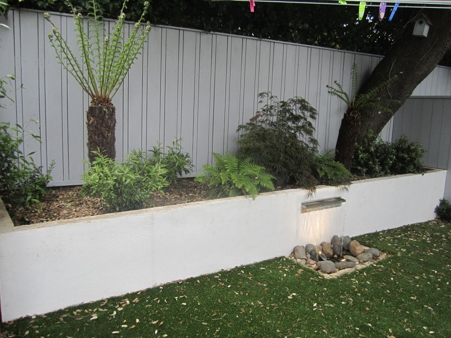 Raised bed & waterfeature