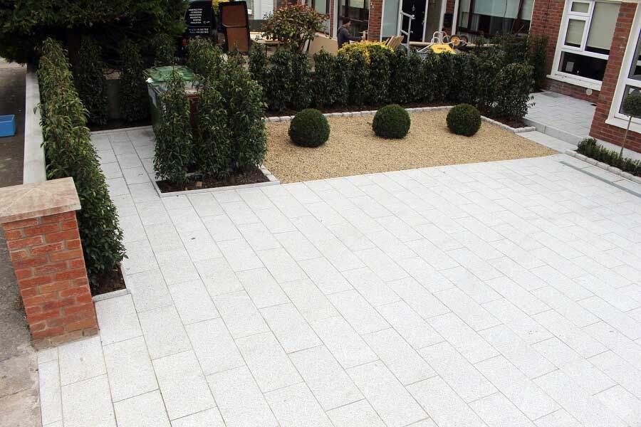 Silver granite & Ballylusk gravel driveway
